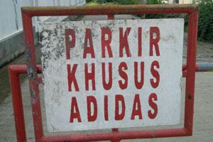 parkir_khusus_adidas.jpg